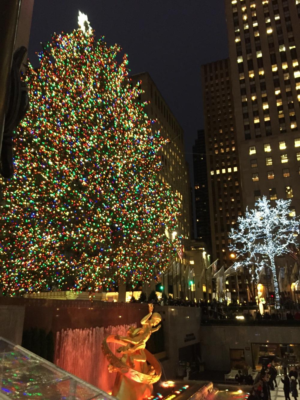 Christmas Time in New York - Rockfeller Center Christmas Tree